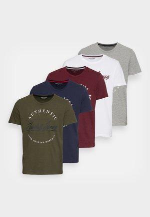 JJHERRO TEE CREW NECK 5 Pack - T-shirt con stampa - forest night