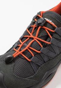 Lowa - ROBIN GTX LO - Hiking shoes - graphit/orange - 2