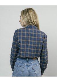 Brava Fabrics - WOODCUTTER ESSENTIAL - Button-down blouse - blue - 2