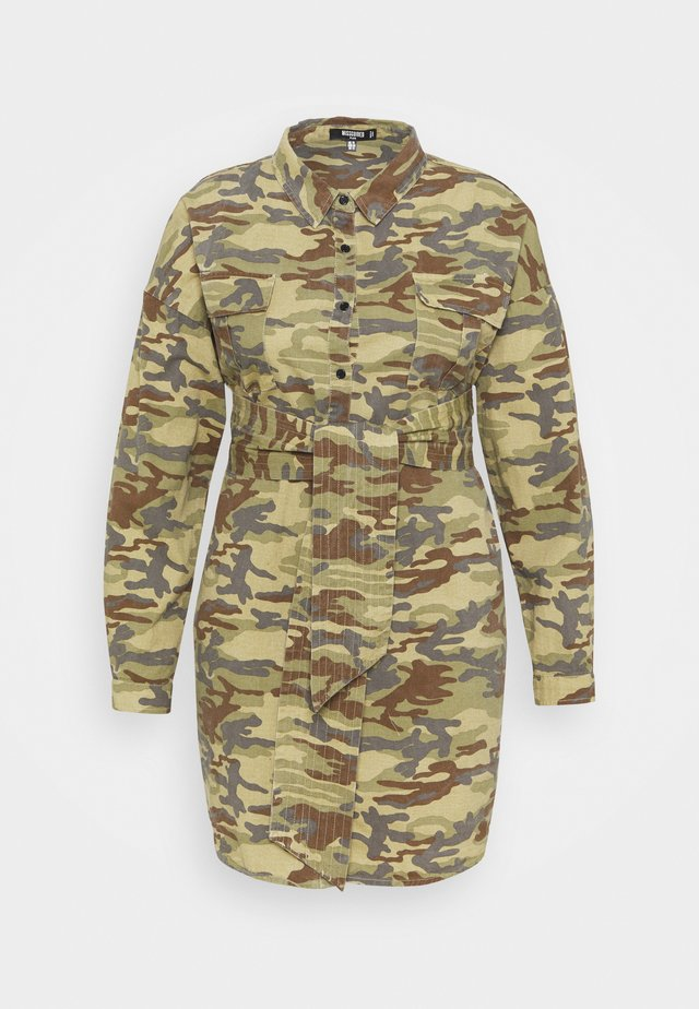 CAMO PRINT TIE WAIST DRESS - Shirt dress - khaki