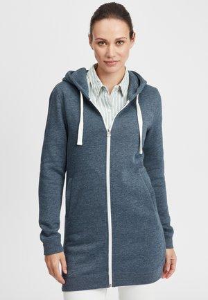 OLINDA - veste en sweat zippée - ins blue m