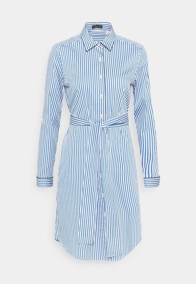 KAISA - Sukienka koszulowa - hellblau