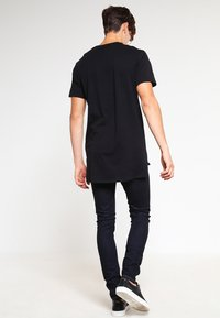 Nudie Jeans - SKINNY LIN - Jeans Skinny Fit - dry deep orange - 2