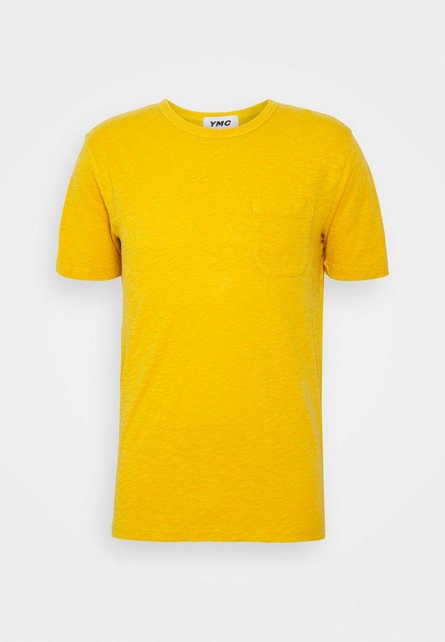 WILD ONES POCKET - T-shirt basique - yellow