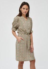 Minus - MINA  - Day dress - matcha flower print - 0