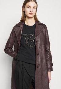 Pinko - NELLY MAGLIA FELPA DIAGONALE - Sweatshirt - black - 4