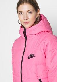 Nike Sportswear - CORE  - Chaqueta de entretiempo - pink glow/black - 4