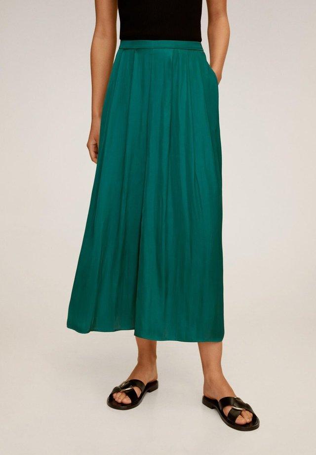 MEMORY - Pantalon classique - dunkelgrün