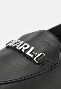 KARL LAGERFELD - REGENCY LOAFER - Nazouvací boty - black - 6