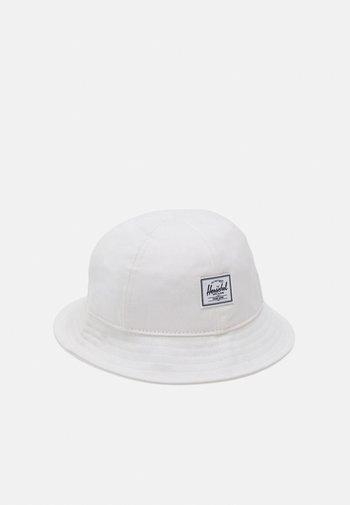 DELETION LIST UNISEX - Hattu - blanc de blanc