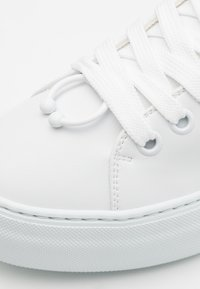Neil Barrett - ULTRA LITE TENNIS - Sneakers basse - white - 5