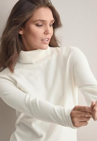 Falconeri - MIT LANGARM - Jumper - white