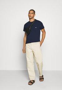 Obey Clothing - JUMBLED BASIC POCKET TEE - T-shirt basic - navy - 1