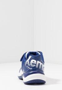 Kempa - ATTACK CONTENDER JUNIOR CAUTION - Handball shoes - midnight blue/white - 4