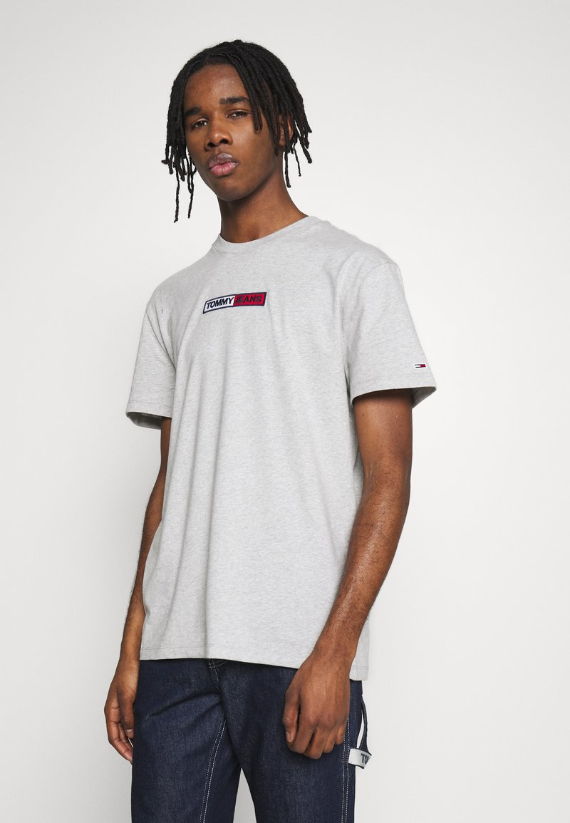 Tommy Jeans - EMBROIDERED LOGO TEE - Print T-shirt - grey