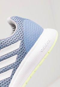 adidas Performance - SOORAJ VERUM CLOUDFOAM RUNNING SHOES - Juoksukenkä/neutraalit - glow blue/footwear white/light granit - 5