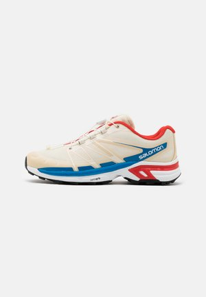 SHOES XT-WINGS 2 ADV UNISEX - Sneakers basse - vanilla/racing red/imperial blue