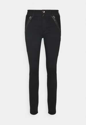 MILTON TUCK PANT - Trousers - black