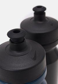 Nike Performance - BIG MOUTH GRAPHIC BOTTLE 600 ML 2 PACK UNISEX - Drink bottle - blue/black - 2