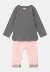 Staccato - SET - Leggings - Trousers - light pink/dark grey - 1