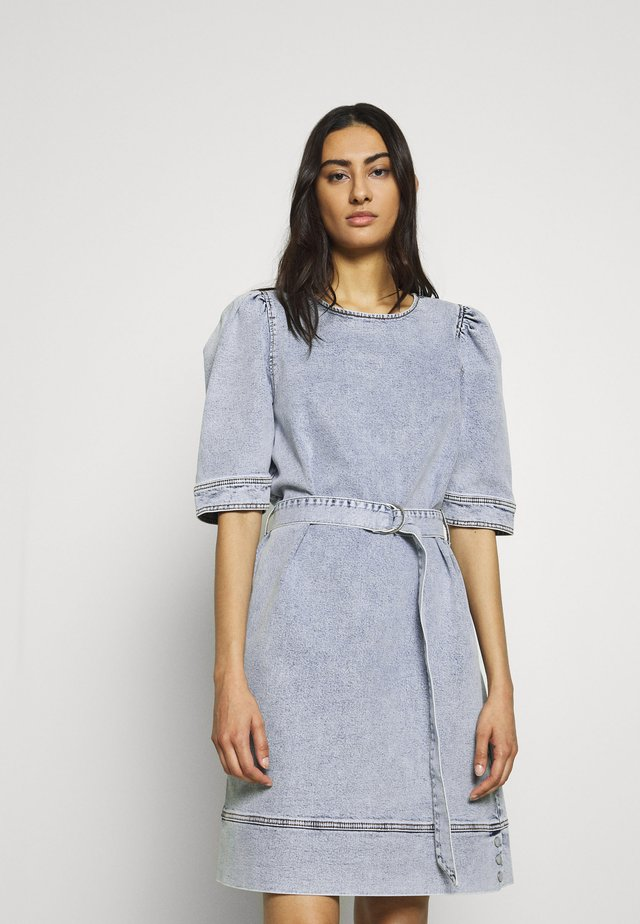 ATICA DRESS - Robe en jean - light blue