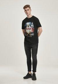 Mister Tee - Print T-shirt - black - 1