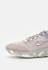 Nike Sportswear - REACT LIVE - Trainers - college grey/sail/ashen slate/steam/pure platinum - 5