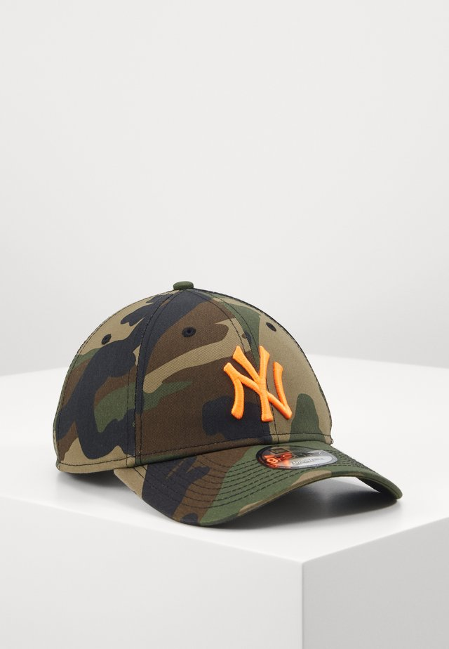 CAMO ESSENTIAL 9FORTY - Pet - olive