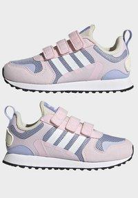 adidas Originals - ZX 700 HD CF C - Trainers - pink - 7