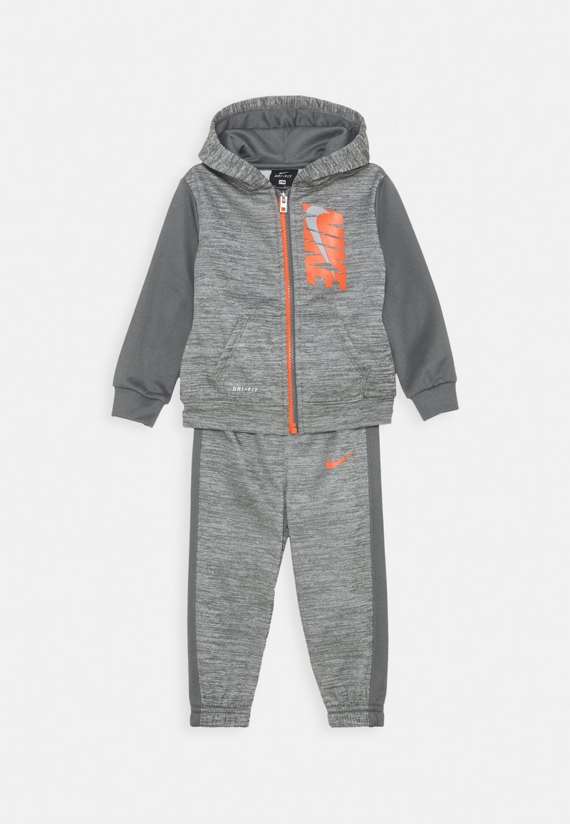 Nike Sportswear - COLORBLOCK THERMA PANT SET - Survêtement - carbon heather