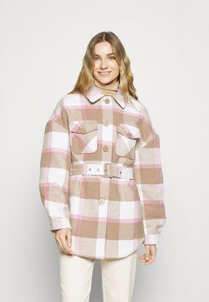 PCSELMA OVERSHIRT JACKET - Short coat - whitecap gray/lila/warm taupe