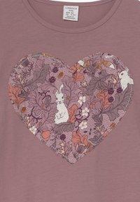 Lindex - MINI LONGSWEET PATCH - Žerzejové šaty - dusty lilac - 4