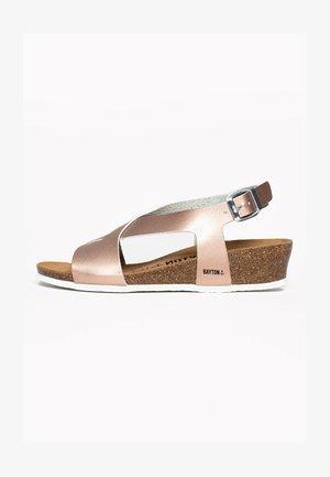 SALAMANQUE - Sandalen met sleehak - rose gold