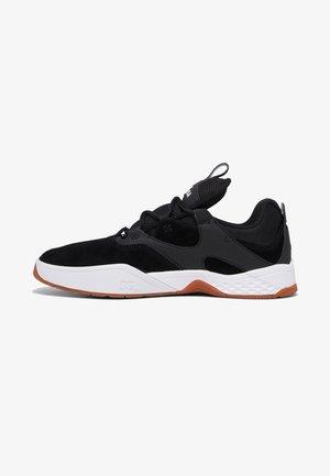 KALIS  - Skate shoes - BLACK/WHITE/GUM