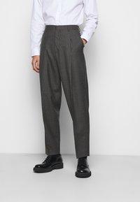 Paul Smith - GENTS FORMAL TROUSER - Oblekové kalhoty - brown - 0