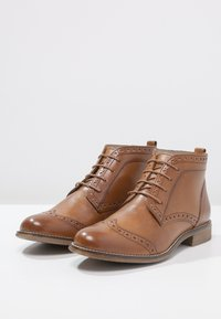 Pier One - Ankle Boot - cognac - 3
