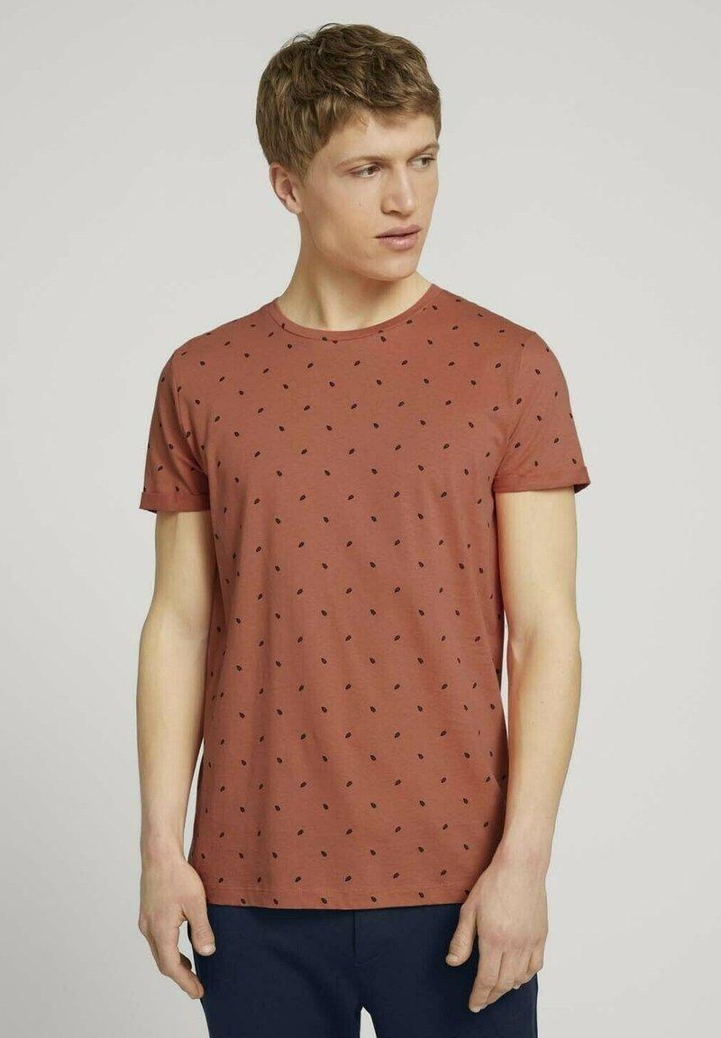 TOM TAILOR DENIM - T-shirt print - orange mini palm leaf print