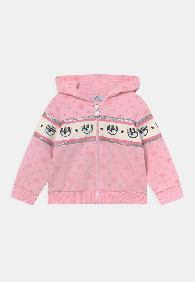 APERTA LOGOMANIA - Zip-up sweatshirt - rosa fairy tail