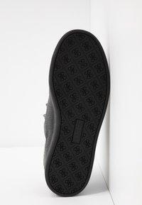 Guess - CHARLEZ - Sneaker low - black - 6