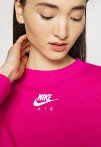 Nike Sportswear - AIR CREW  - Sweatshirt - fireberry/white - 4