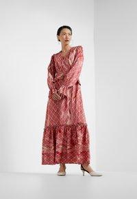 Three Floor - FANTASIST DRESS - Ballkleid - faded rose /tomato red - 1