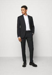 Emporio Armani - SUIT - Suit - black - 1