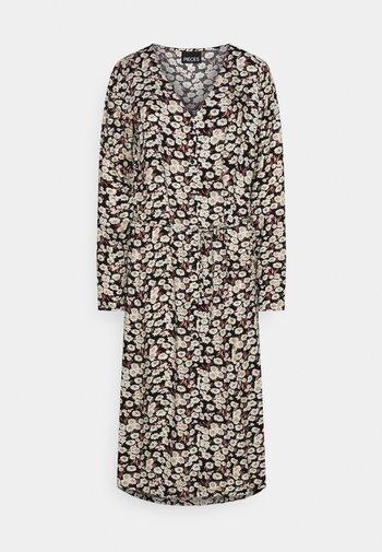 PCJUGLA SHIRT DRESS