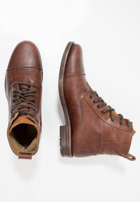 Levi's® - EMERSON - Lace-up ankle boots - medium brown - 1