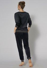 Triumph - Pyjama set - black - 1