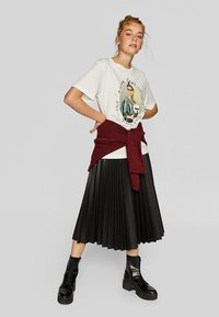 Stradivarius - PLISSIERTER ROCK - A-line skirt - black - 1