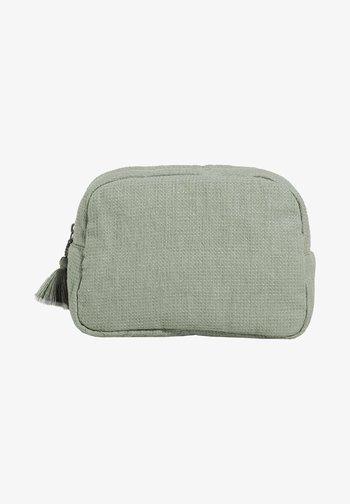 Wash bag - light green