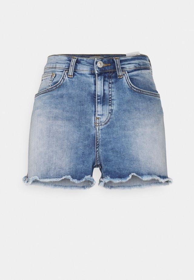 LAYLA - Short en jean - oleana undamaged wash