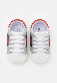 Tommy Hilfiger - First shoes - white/multicolor - 3