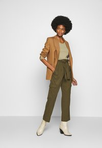 Marc O'Polo DENIM - TURN UP DETAIL - Trousers - summer olive - 1